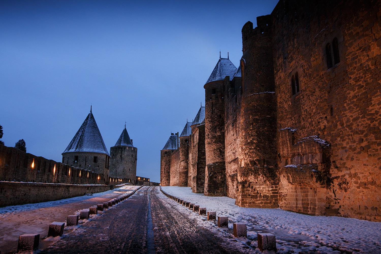 Les lices de la cité de Carcassonne, cet espace entre les deux enceintes