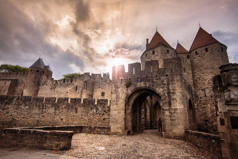 Porte narbonnaise, accès principal de la cité médiévale de Carcassonne