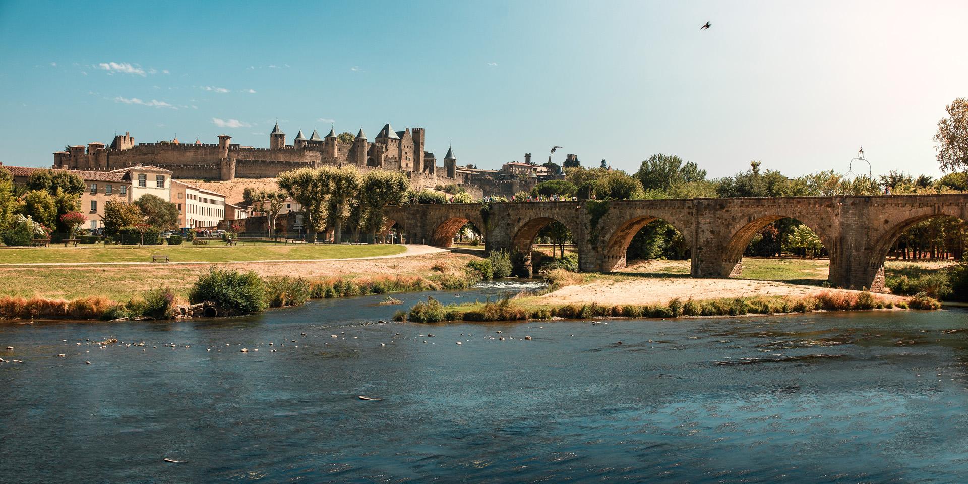 La cité médiévale de Carcassonne vue du pont Neuf
