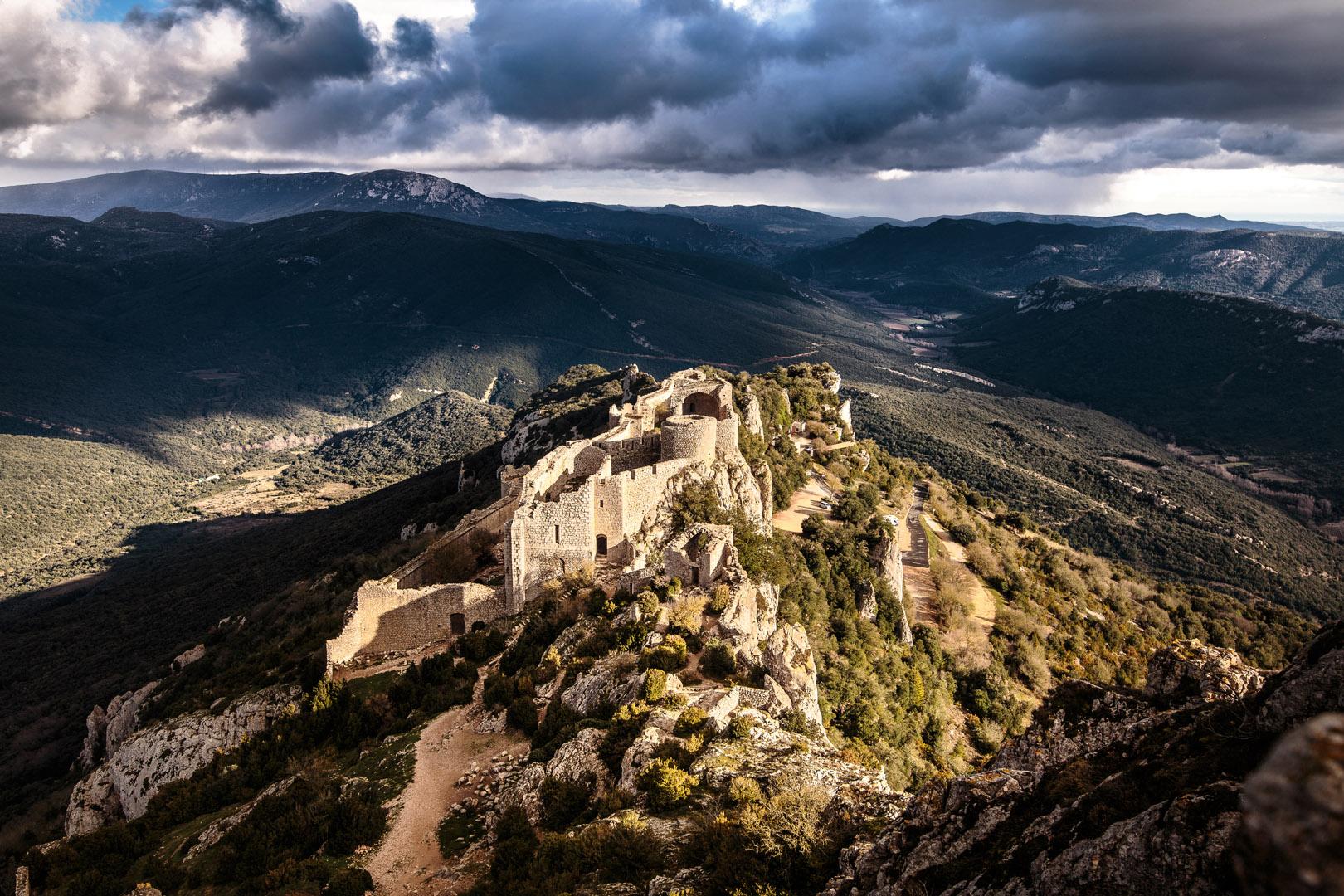 Vertigineuse vue du château de Peyrepertuse