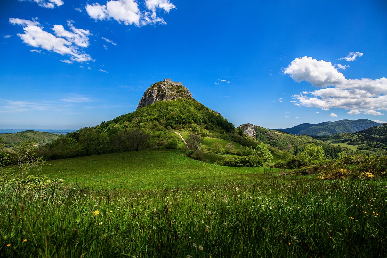 Château de Montségur vu au loin