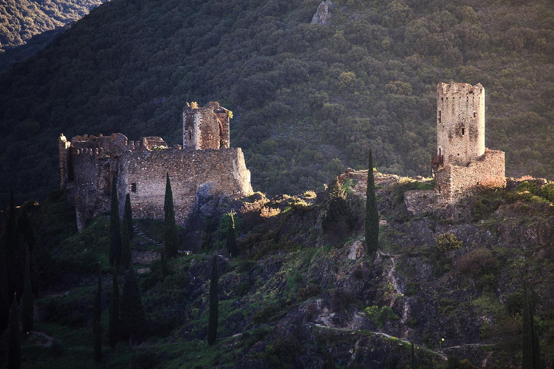 les châteaux de Lastours se situent dans un environnement naturel préservé