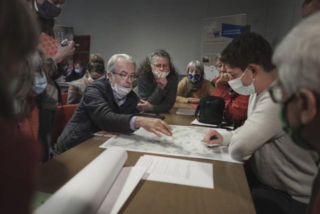 Échanges d'opinions lors des ateliers de concertation sur la candidature des Citadelles du vertige au patrimoine mondial de l'Unesco