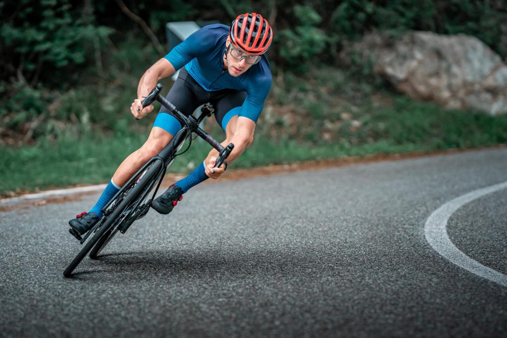 Un cycliste professionnel prêt à participer à la Route d'Occitanie