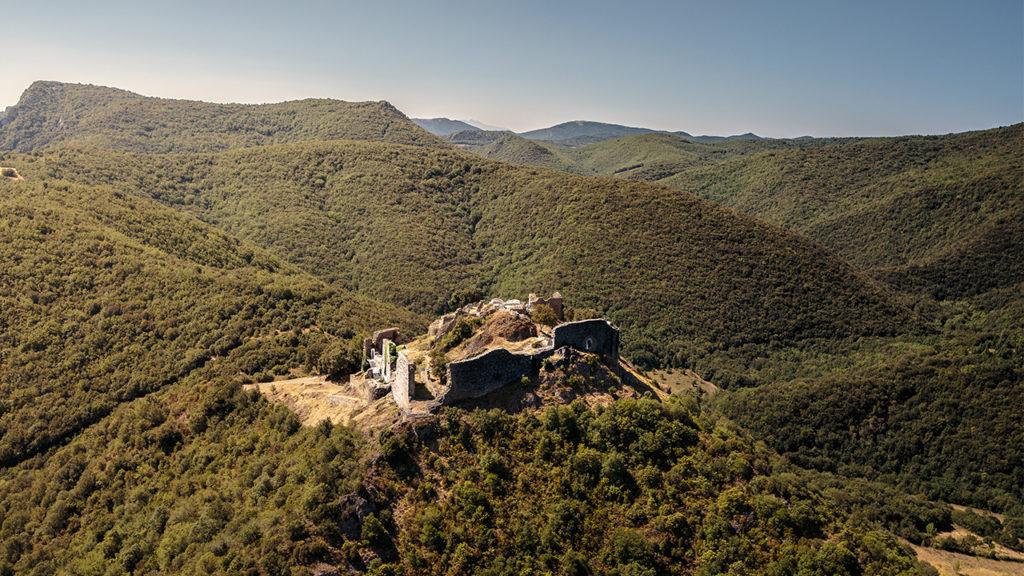Une balade paysagère est organisée aux abords du château de Termes